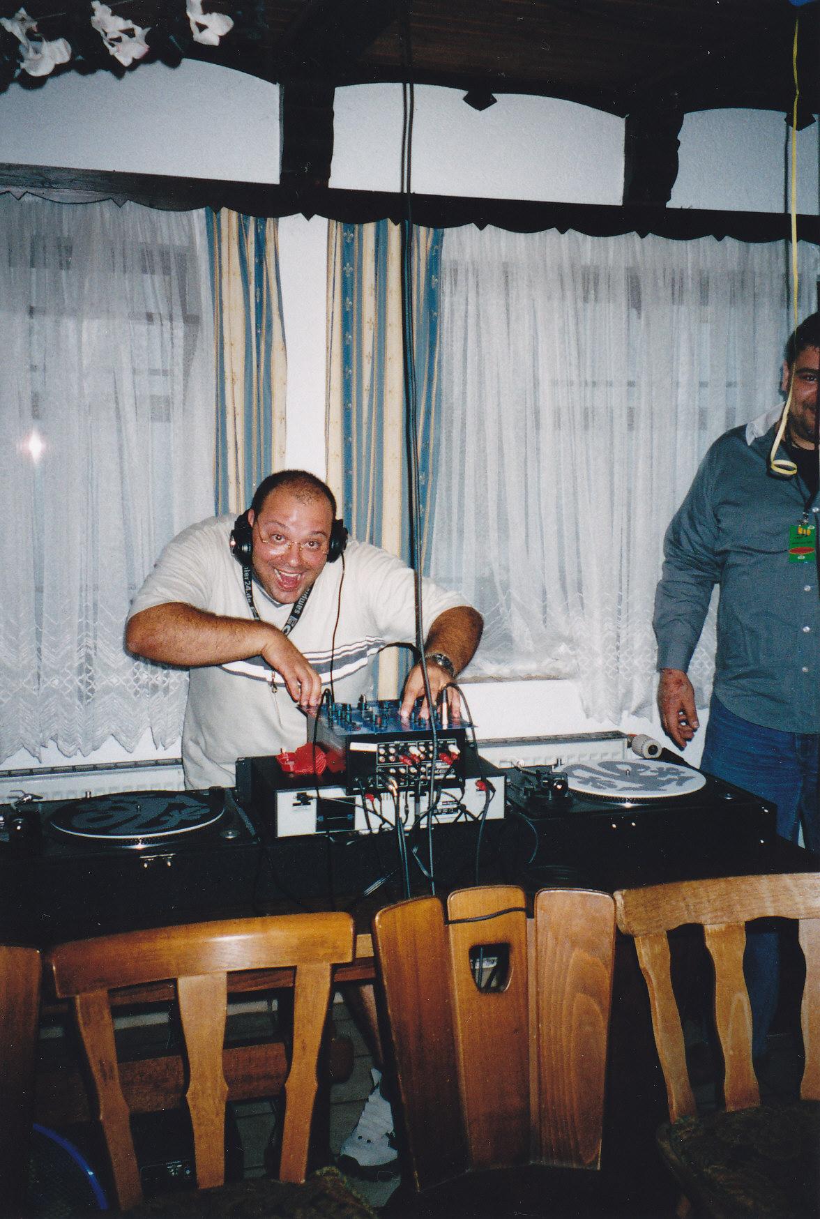 Profidj - Party | DeeJay TONY P