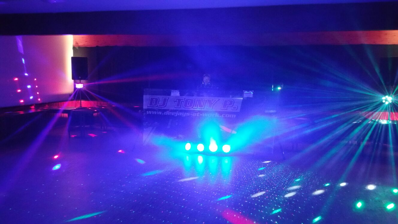 Lichteffekte - Technik - Musik - Party | DJ TONY P