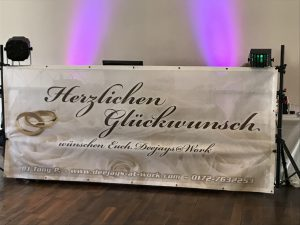 Dj Tony P gratuliert dem Brautpaar - Hochzeit DJ Rhein Main