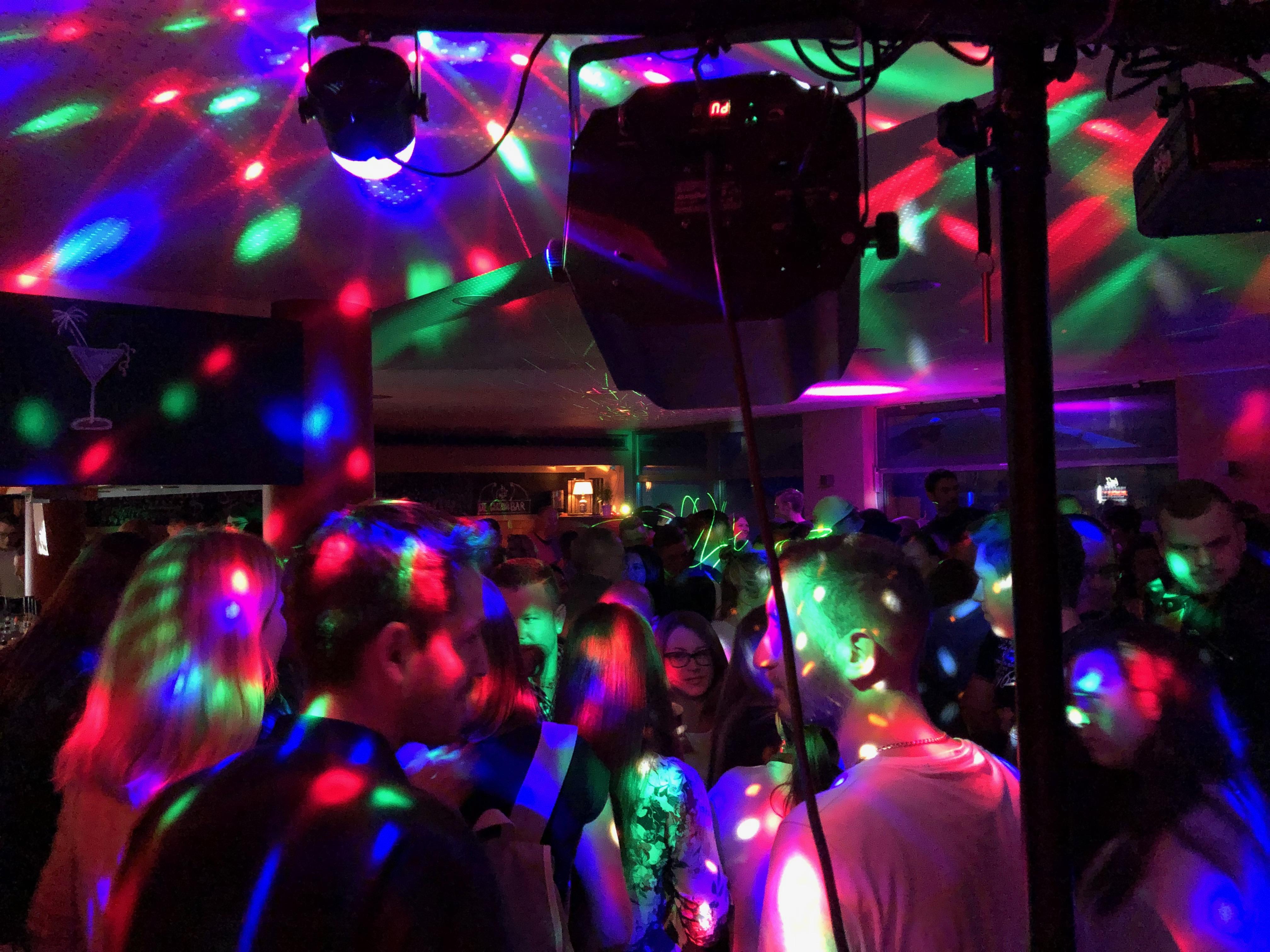 Lichttechnik - Stimmung - Tanz - Party | DJ TONY P